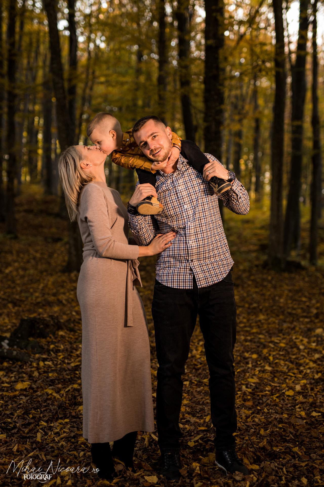 """Fotografie album """"Toamna în familie"""""""